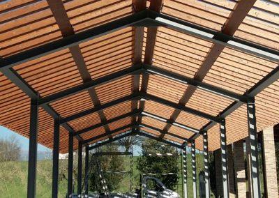 Strutture in legno e tettoie