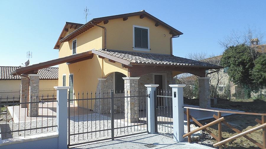 Tipi di tetti per abitazioni affordable la tegola in for Tipi di abitazione